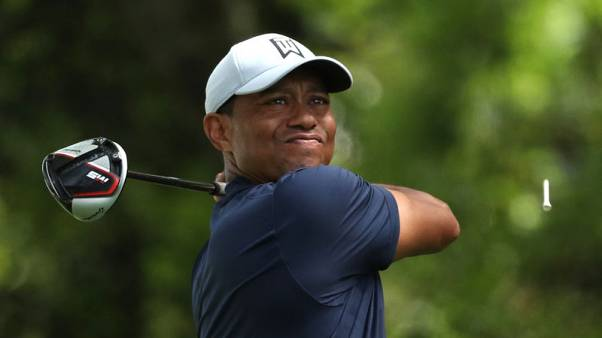Tiger starts strong, one back of early Masters co-leaders