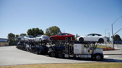 Tesla begins offering leases for Model 3