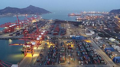 China March exports up 14.2 percent year-on-year, imports fall 7.6 percent