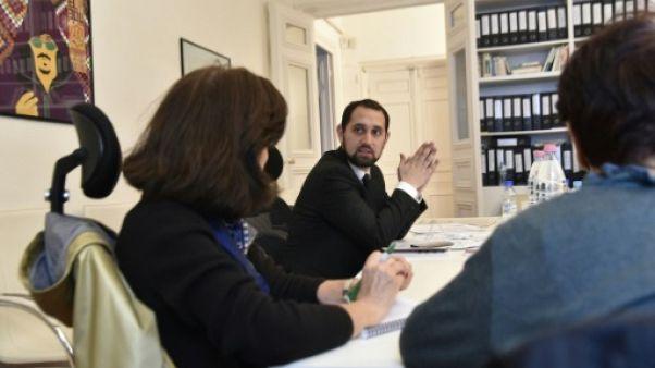 A Alger, les manifestants font leurs armes dans des cours de droit sauvages