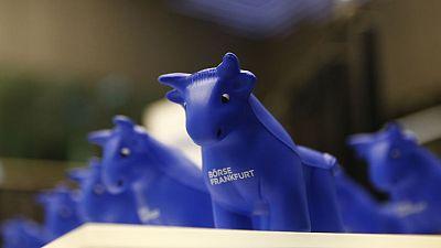 European shares edge lower as Unicredit, Banco Santander fall