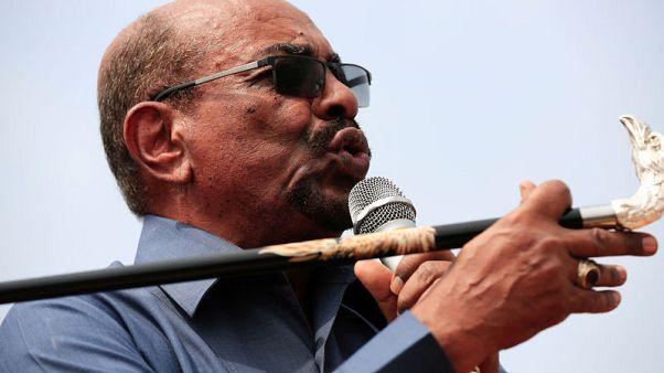 المجلس العسكري السوداني يقول حزب البشير سينافس في الانتخابات