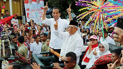 """""""Beam me up"""": Indonesian president uses holograms to woo rural voters"""