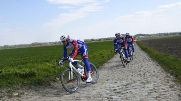 Quand Paris-Roubaix ressemble à un ring de boxe