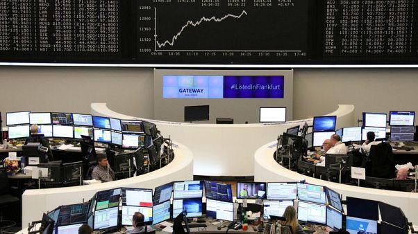 الأسهم الأوروبية تغلق على ارتفاع بفضل مكاسب للبنوك وشركات السيارات