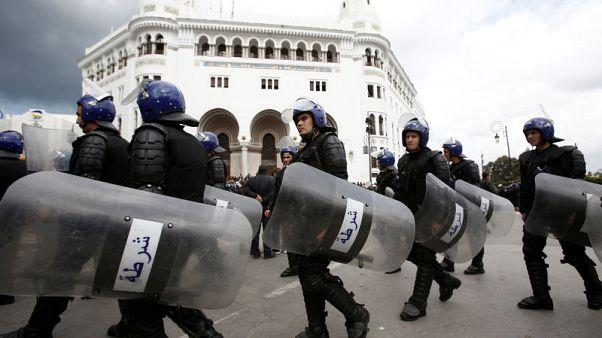 بيان: الشرطة الجزائرية تعتقل 108 أشخاص خلال احتجاجات يوم الجمعة