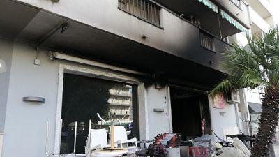 Incendiato bar a Reggio Calabria