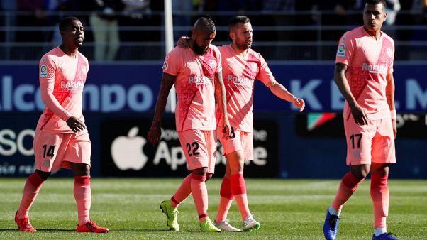 برشلونة بتشكيلة معدلة يتعادل مع ويسكا متذيل الترتيب في دوري إسبانيا