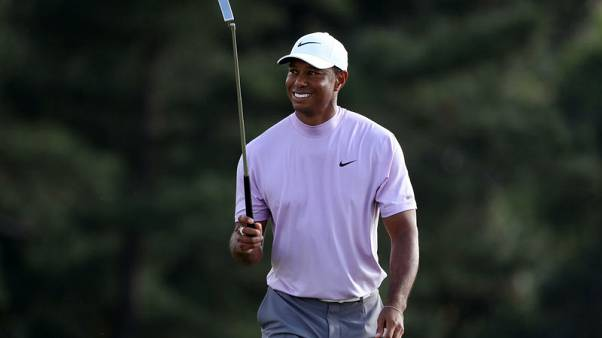 Woods within striking distance of fifth Green Jacket