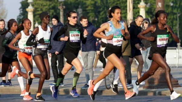 La Française Clémence Calvin lors du marathon de Paris, le 14 avril 2019