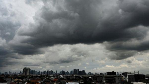 Présidentielle en Indonésie: les candidats s'affrontent sur les investissements chinois