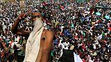 تحليل-الربيع العربي يصل متأخرا في السودان والجزائر