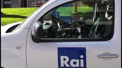 Tagliate gomme auto troupe Rai a Vicenza