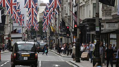 UK businesses stash cash as Brexit gloom deepens - Deloitte
