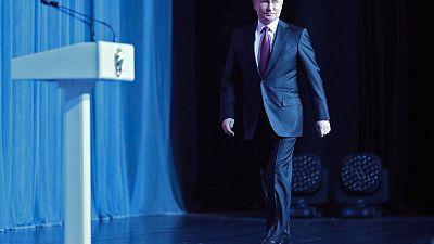 Russia blocks news site for anti-Putin graffiti under new law