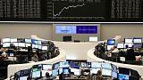 أسهم أوروبا تغلق مرتفعة بدعم آمال التجارة