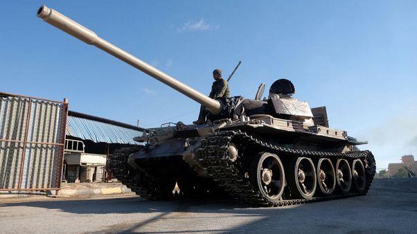 تحليل-توقف الهجوم للسيطرة على طرابلس وحفتر يحشد قواته وسط تعاطف خارجي