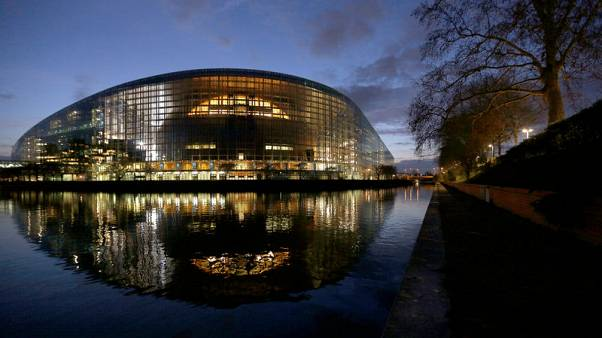 EU lawmakers approve package of banking reforms