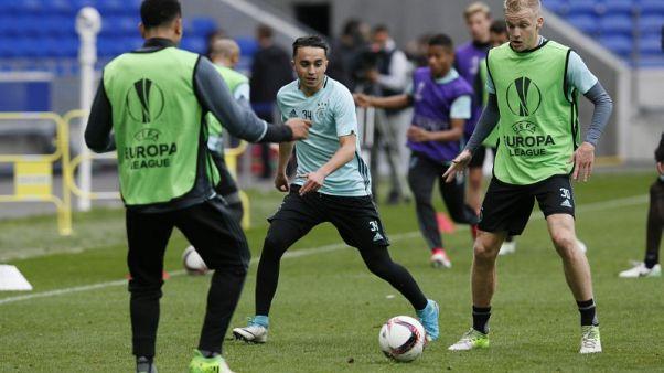 Van de Beek goal stirs memories of former team mate for Ajax