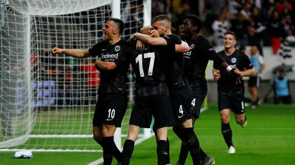 Frankfurt oust Benfica to reach Europa League last four