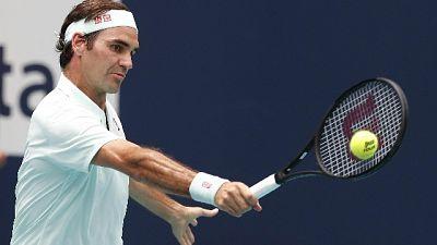 Tennis: Federer si riallena sulla terra