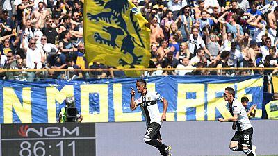 Late Alves free kick denies Milan win at Parma