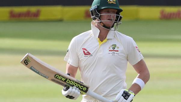 Cricket - Australia's Smith says two weeks away from full recovery