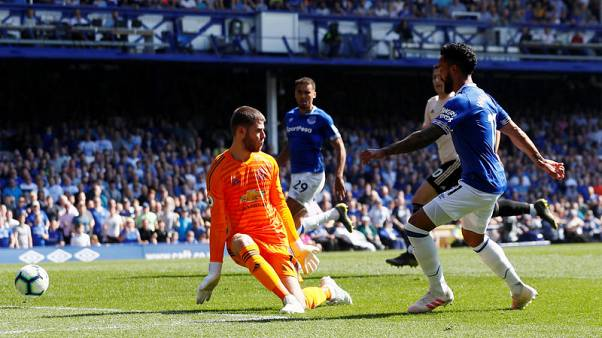 Everton hand woeful Manchester United a 4-0 hammering