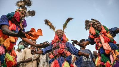Soudan: les manifestants sommés de lever les barrages, sommet africain au Caire