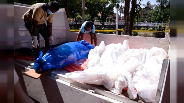 Au Sri Lanka, les attentats réveillent le souvenir des années noires