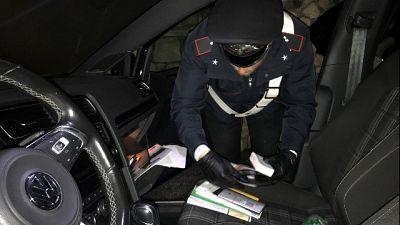 Furti auto anziani in sosta, 7 arresti