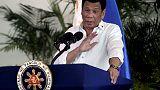 رئيس الفلبين يهدد بإعادة نفايات إلى كندا