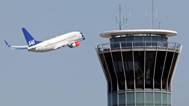 Airline SAS braces for pilot strike as midnight deadline nears
