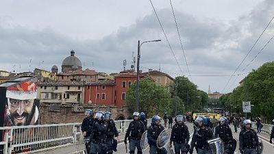 Corteo anti-Cpr Modena,centro imbrattato