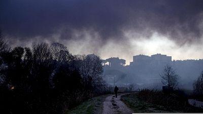 Rogo in una discarica abusiva a Roma