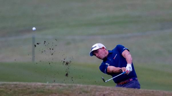 Golf - Stallings and Mullinax take early lead in rainy New Orleans