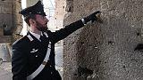 Incide iniziali famiglia sul Colosseo
