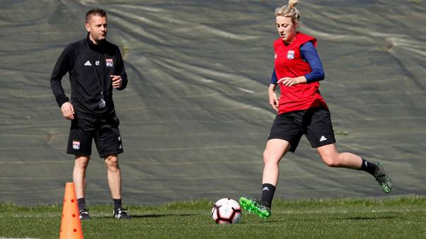 Football - Women to carry the hopes of a nation, says Germany's Simon