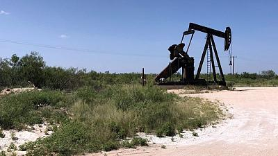 U.S. oil drillers make biggest rig cuts in over three months - Baker Hughes
