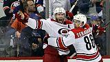 Play-offs NHL: Carolina surprend les Islanders