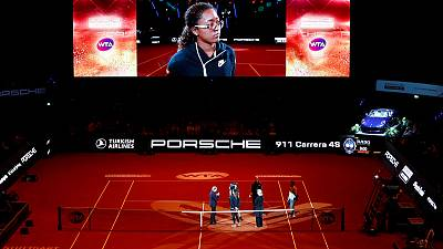 Osaka pulls out of Stuttgart semis with injury, Kvitova through to final