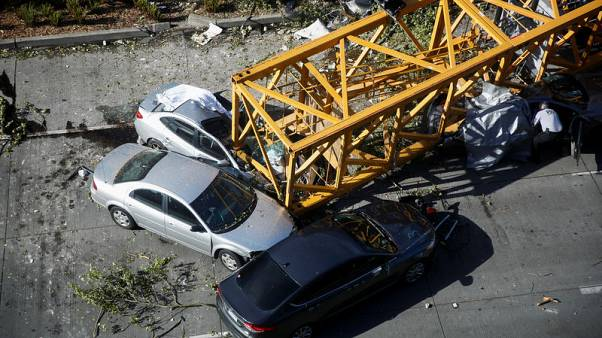 Crane collapse kills four, injures three in Seattle