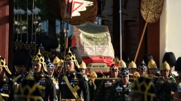 Thaïlande: traditions et apparat pour les répétitions du couronnement