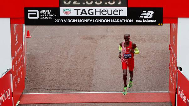 Farah not distracted by Gebrselassie dispute despite marathon disappointment