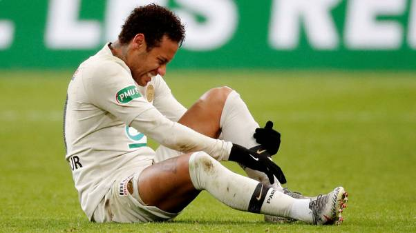 Neymar appears to strike fan after PSG lose French Cup final