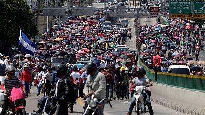 Honduras Congress stalls reforms after violent protests