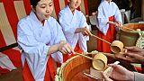 """Saké et rites shinto, le Japon célèbre la """"belle harmonie"""""""