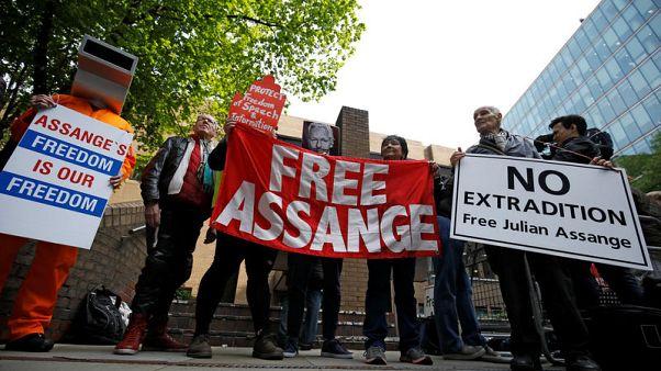 محكمة بريطانية تصدر حكما بسجن أسانج 50 أسبوعا