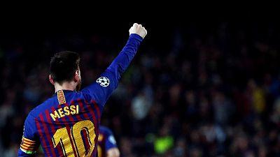 Stampa esalta Messi 'il Papa del calcio'