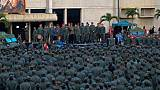"""Venezuela: Maduro appelle l'armée à combattre """"tous les putschistes"""""""